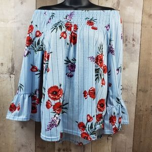 New York Laundry blue floral top